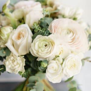 bouquet di fiori misti bianchi-consegna a domicilio