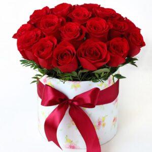 cappelliera di rose rosse varie dimensioni - consegna a domicilio